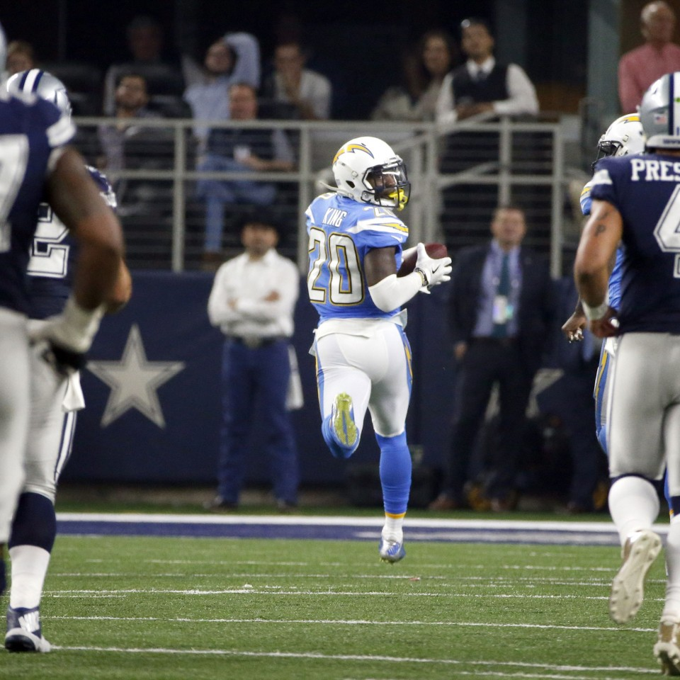 Dallas continues to struggle without Zeke Elliott