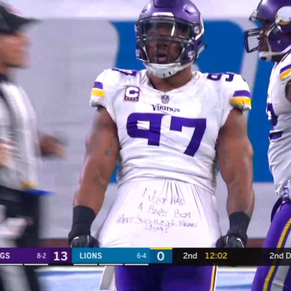 Vikings end has creative way of asking what to name his son