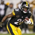 Le'Veon Bell threatens to sit out if franchise tagged again